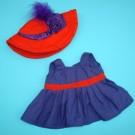 Vestido con sombrero y pluma